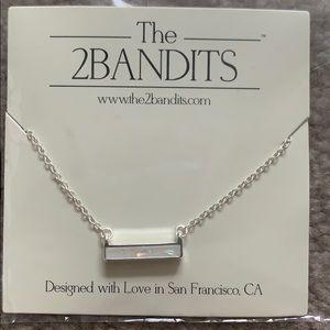 Very pretty necklace.